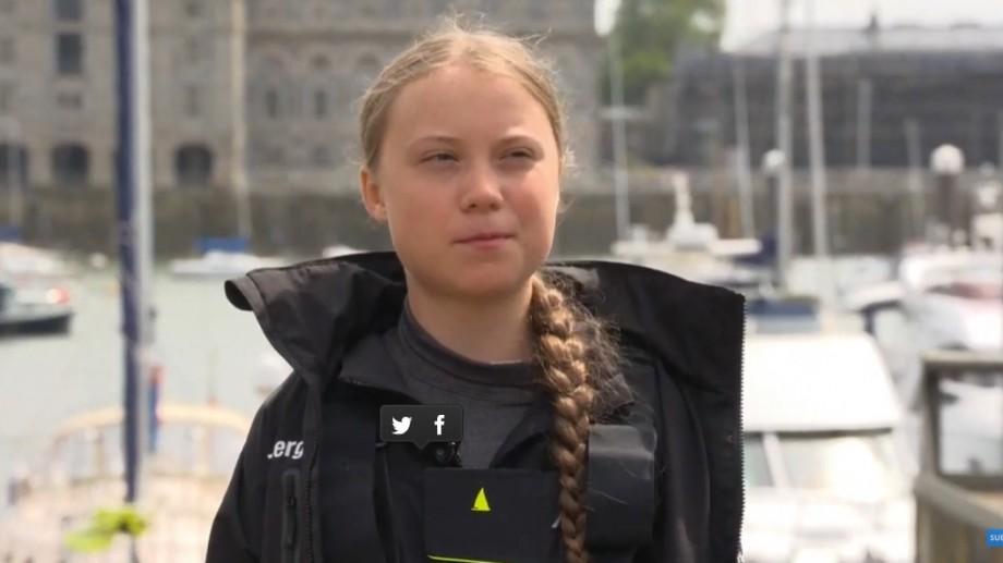(video) Tânăra de 16 ani, nominalizată la Premiul Nobel pentru Pace, a pornit în călătoria sa pe Atlantic cu o barcă ecologică