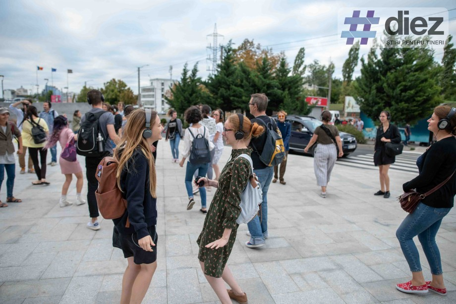 (foto) Recomandare #diez: Lasă-ți limitele acasă pentru două ore și fii actor pe scena Capitalei cu Remote Chișinău