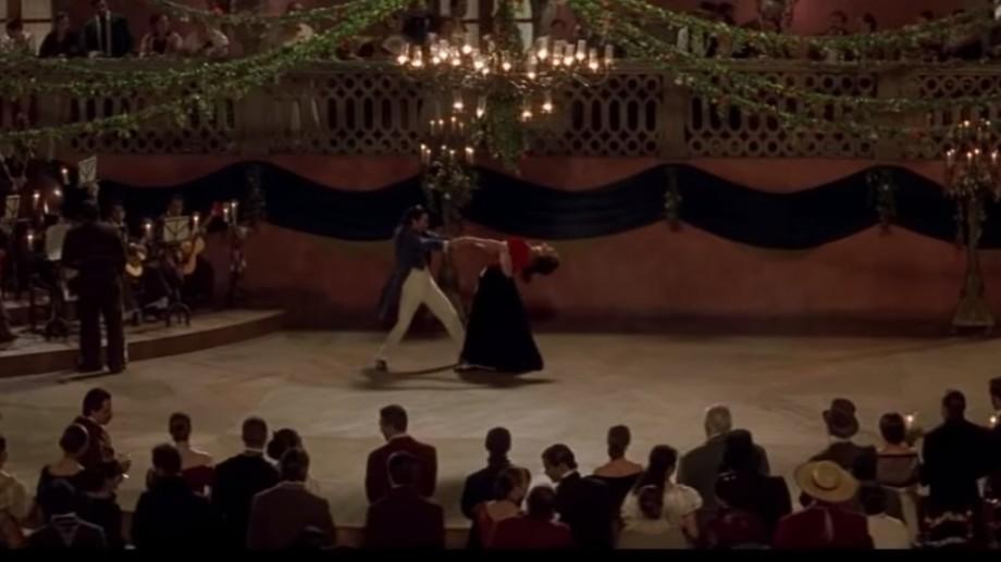 Scuarul Bibliotecii Naționale se transformă pentru o seară în scenă de dans. Vino să înveți pași de flamenco