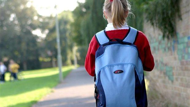 """Participă la campania """"Ghiozdanul cu speranțe"""" și ajută copiii aflați în dificultate să se pregătească pentru 1 septembrie"""
