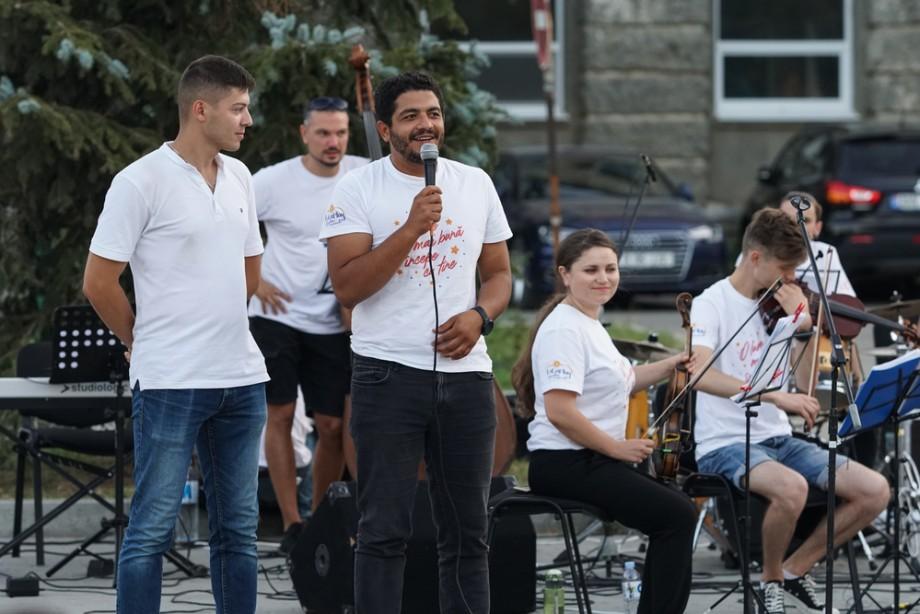 (foto) Expediția muzicală La La Play a ajuns la Ceadîr-Lunga. Cum a fost prestația tinerilor muzicieni