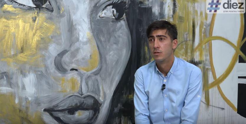 """(video) Dumitru Roman vorbește #FărăTolk. Despre Comedy Zebra Show, visul de a deveni actor și personajul """"Rîkal"""""""