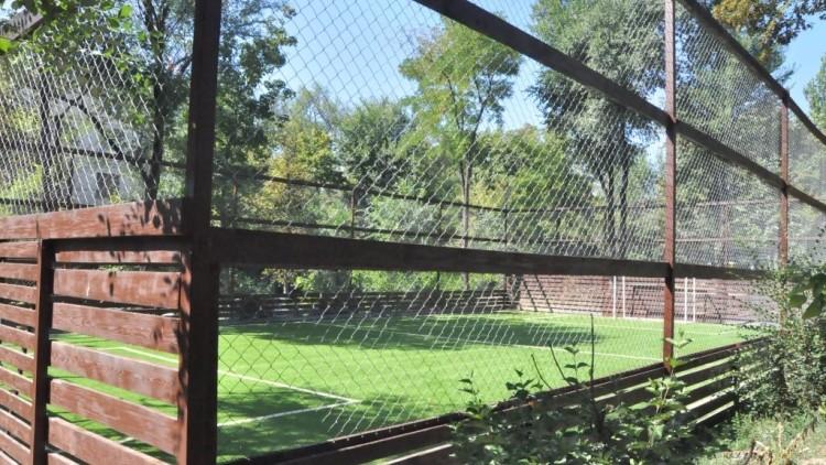 (foto) Trei terenuri noi de minifotbal au fost amenajate în Capitală. Unde sunt amplasate acestea