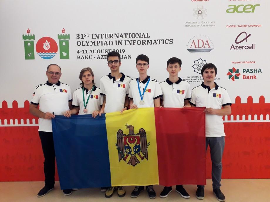 Moldova a obținut o medalie de argint și una de bronz la Olimpiada Internațională de Informatică. Cine sunt tinerii premiați