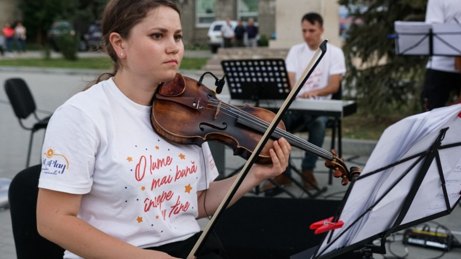 """(foto) Descoperă tinerii din La La Play 2019. Viorista Lia Rusu: """"Dacă aș fi un vin, aș fi Pinot Grigio"""""""