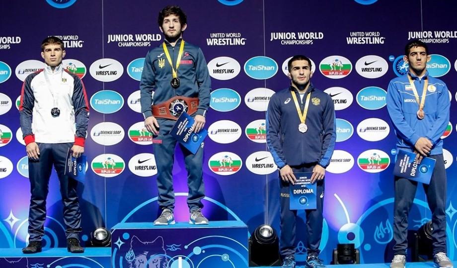 Luptătorul Vasile Diacon a devenit vicecampion mondial printre tineret. Moldoveanul a obținut patru victorii la rând