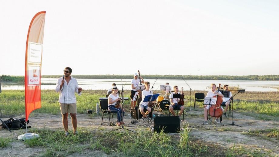 (foto) Un concert pe malul Lacului Beleu. Expediția muzicală La La Play 2019 a ajuns la Slobozia Mare