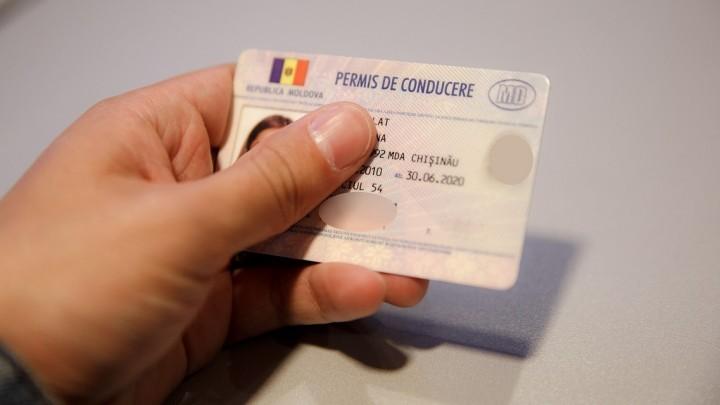 (foto) Guvernul a aprobat permisele de conducere de tip nou. Acestea vor intra în vigoare în luna ianuarie