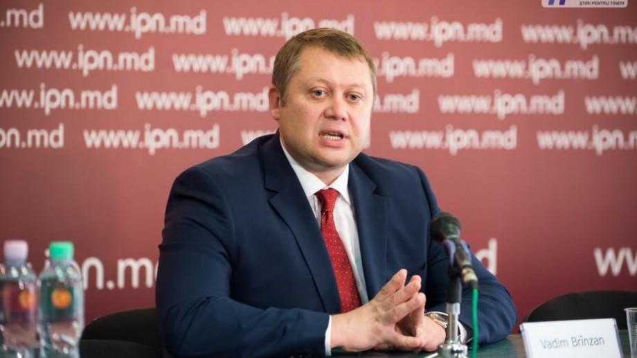 """Ministrul Economiei: """"Concesionarea Aeroportului Internațional Chișinău a fost comisă cu multe abateri de către fosta guvernare"""""""