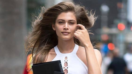 (foto) Premieră pentru Victoria's Secret. Casa de modă a angajat o fotomodelă transsexuală
