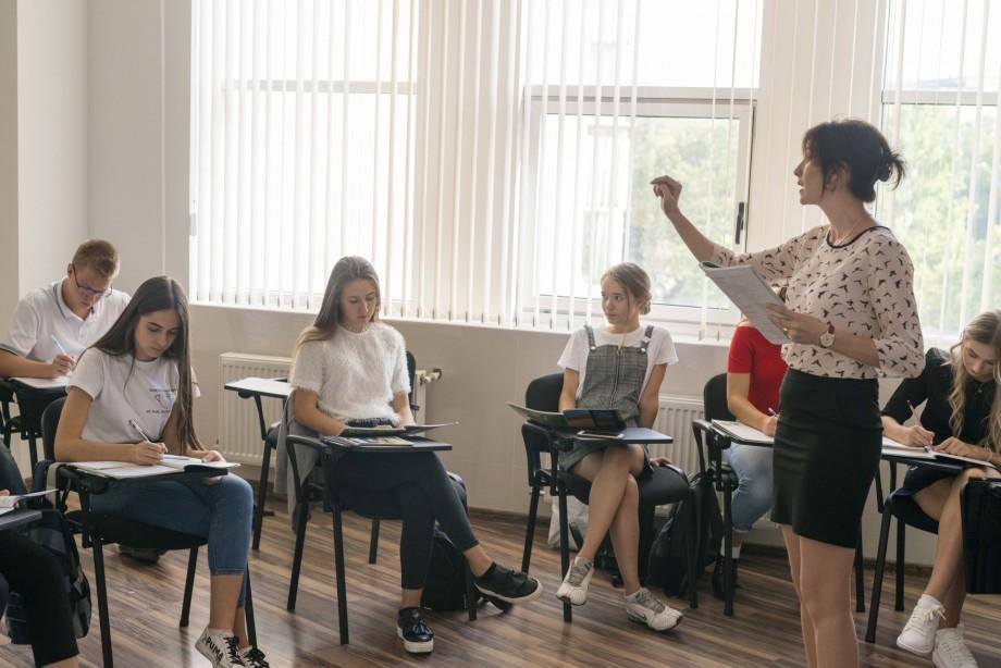(foto) Ce se întâmplă la Oratorica, cea mai mare școală de limbi străine din Moldova