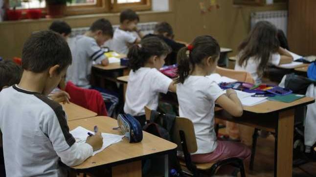 Elevii claselor a V-a vor trece treptat la note obișnuite la început de an. Profesorii urmează să respecte anumite reguli