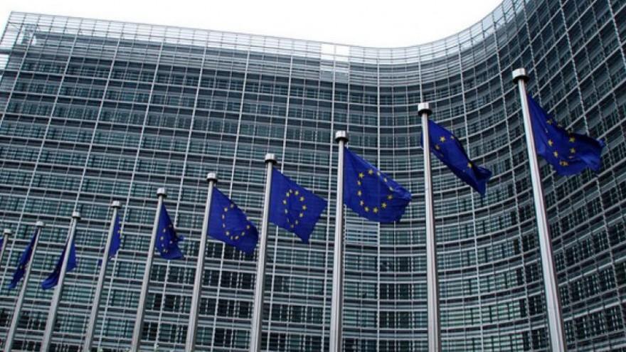 """Programul """"Bursele Europene pentru Jurnaliști"""" a fost lansat. Care sunt criteriile de eligibilitate și cum te poți înscrie"""