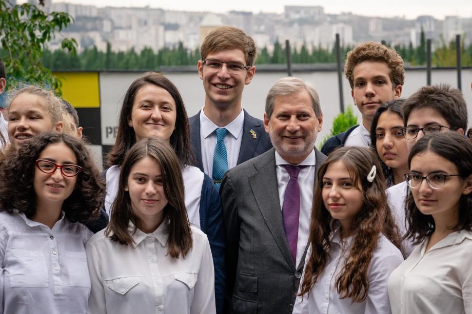 Dorești să obții studii liceale europene? Află cum te poți înscrie la Școala Europeană din Georgia