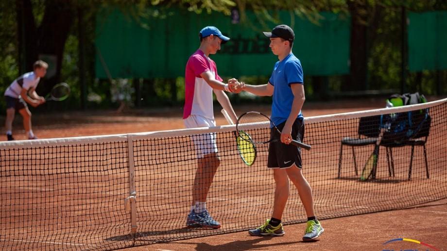 Jucătorii de tenis din Moldova în clasamentul ATP și WTA. Ilie Snițari a urcat 49 de trepte