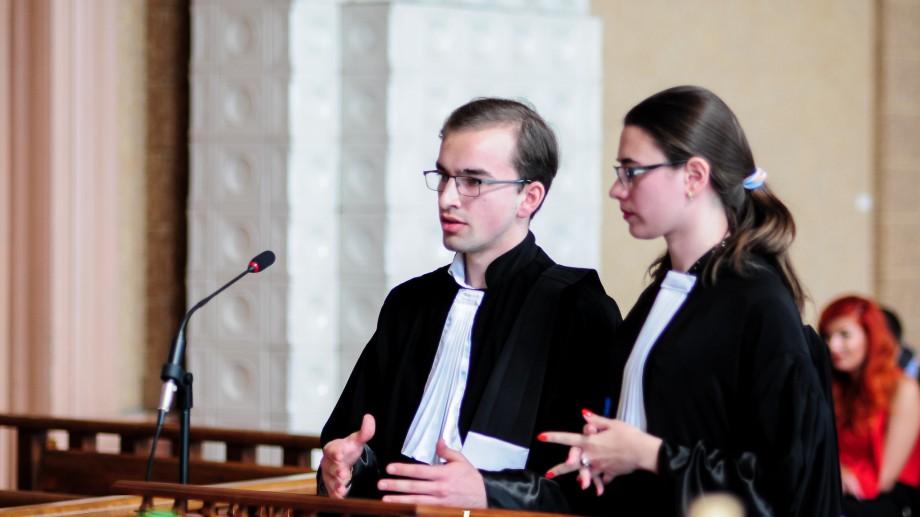 Studenții de la Drept pot participa la Concursul Național de Procese Simulate. Cum te înregistrezi