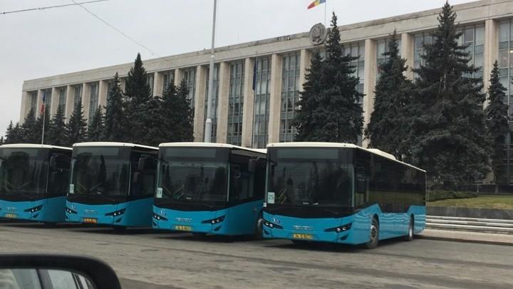 Mold-street: Cât au costat de fapt cele 31 de autobuze Isuzu, procurate în luna februarie