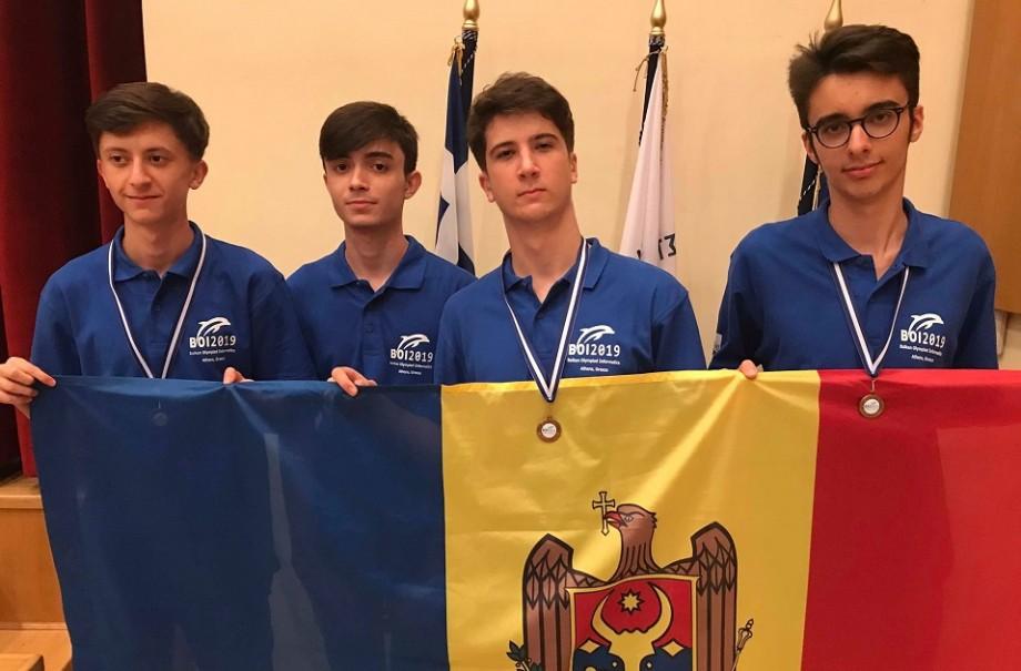 Elevii din Moldova au cucerit trei medalii de bronz la Olimpiada Balcanică de Informatică