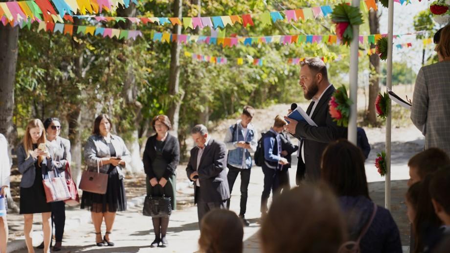 (foto) Copiii din Sărata Veche vor avea parte de un program de dezvoltare personală, după ce în sat a fost lansat un Centru pentru pregătire vocațională