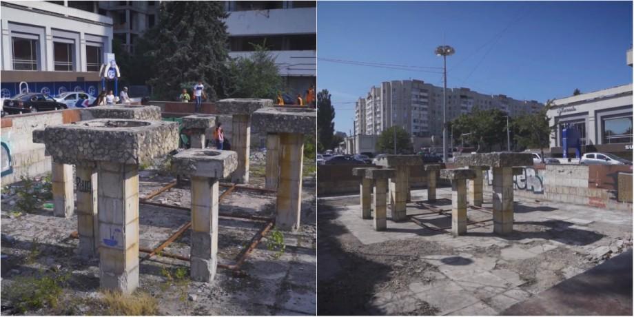 (video) Fapte, nu vorbe. Un grup voluntari din Chișinău a salubrizat havuzul din fața hotelului Național