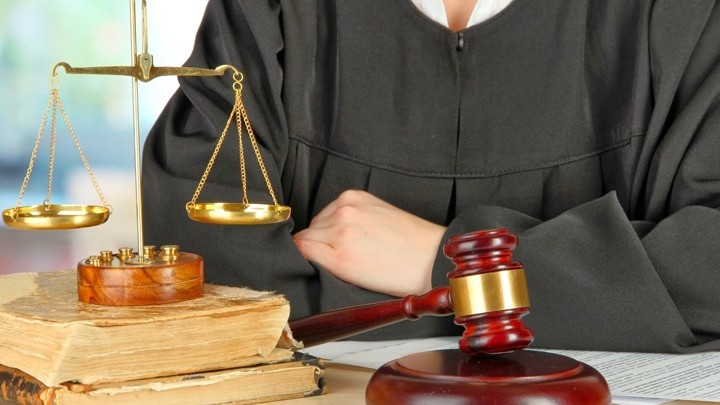 """Absolvenții sau studenții la Drept pot să se înscrie la cea de-a IV-a ediție a proiectului """"Acțiune pentru Justiție"""""""