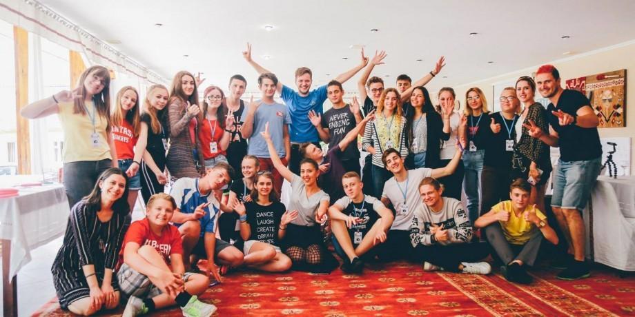 """Descoperă provocările și stereotipurile cu care se confruntă comunitatea LGBT din Moldova, împreună cu """"Media Tur"""""""