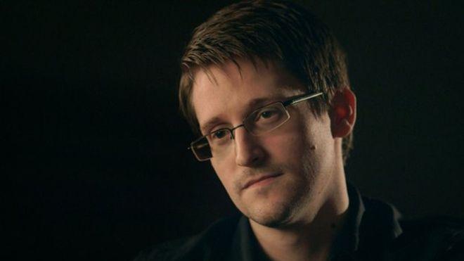 Statele Unite l-au dat în judecată pe Edward Snowden. Totul pentru că acesta a publicat o carte de memorii