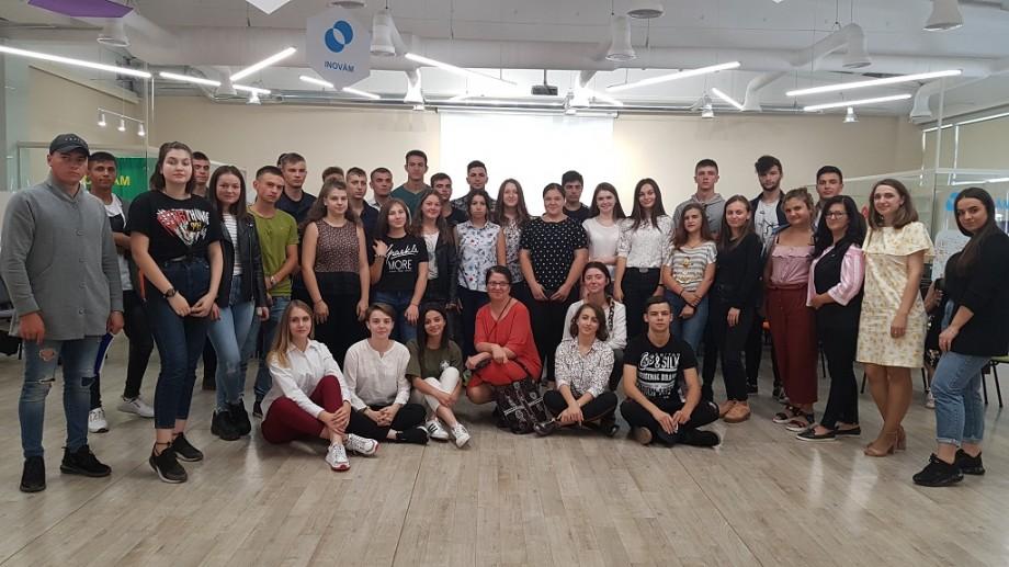 (foto) Ce așteaptă elevii de la profesori și cum îi poate ajuta ministra Liliana Nicolaescu-Onofrei