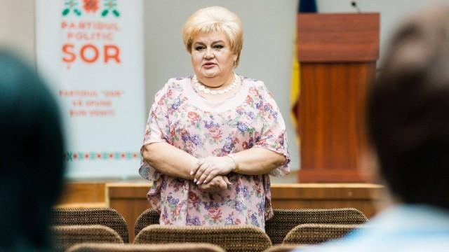 Reghina Apostolova a fost și ea reținută de polițiști după ce Parlamentul i-a retras imunitatea