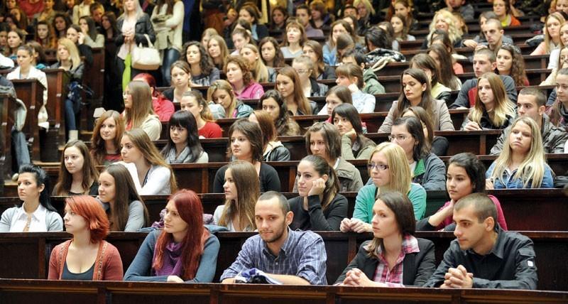 Studenții din Moldova pot obține Bursa Speranței 2019. Care sunt criteriile de eligibilitate și cum poți participa