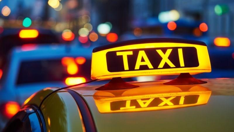 Șoferii de taxi care nu dispun de aparat de taxare vor fi sancționați și lipsiți de plăcuțele de înmatriculare