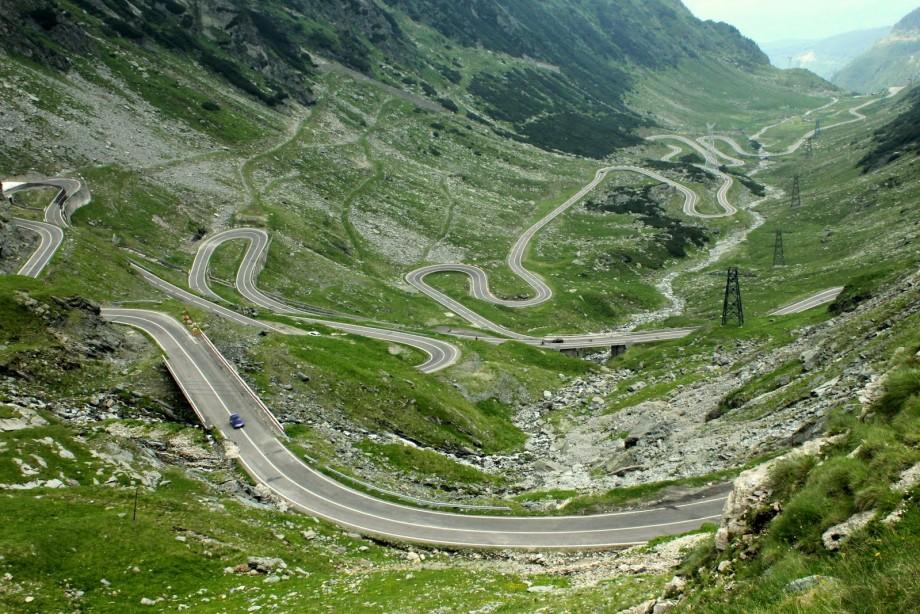 National Geographic a inclus Transfăgărăşanul în topul celor mai spectaculoase zece drumuri din lume
