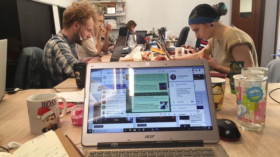 Oportunități #diez: Grupul de Telegram unde poți afla știri despre burse, stagii și conferințe interesante pentru tineri