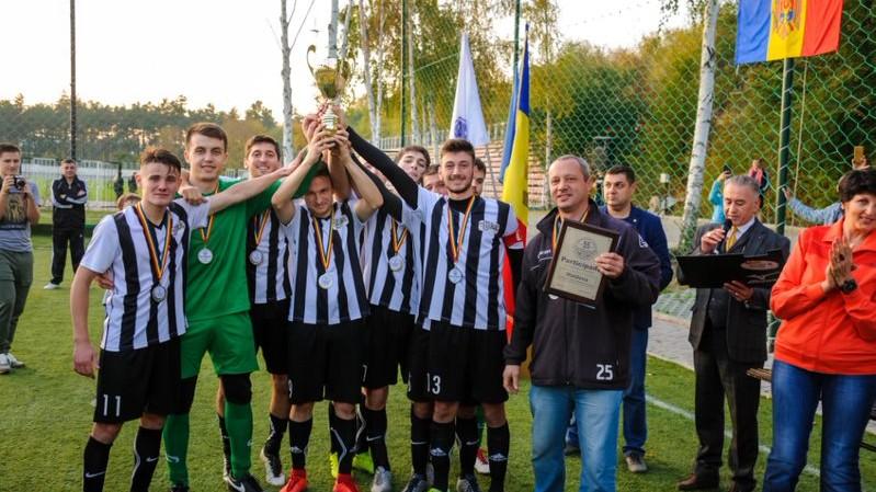 (foto) Echipa UTM a devenit campioana secundă a Turneului internațional de minifotbal
