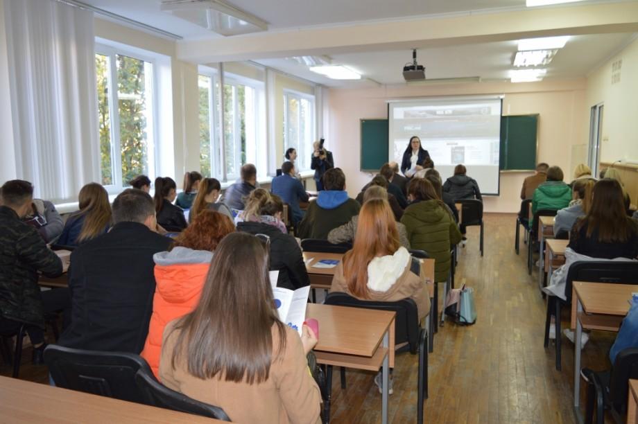 """Rodica Musteață, directoarea """"Monitorul fiscal"""" și absolventă UTM, în vizită la Alma Mater"""