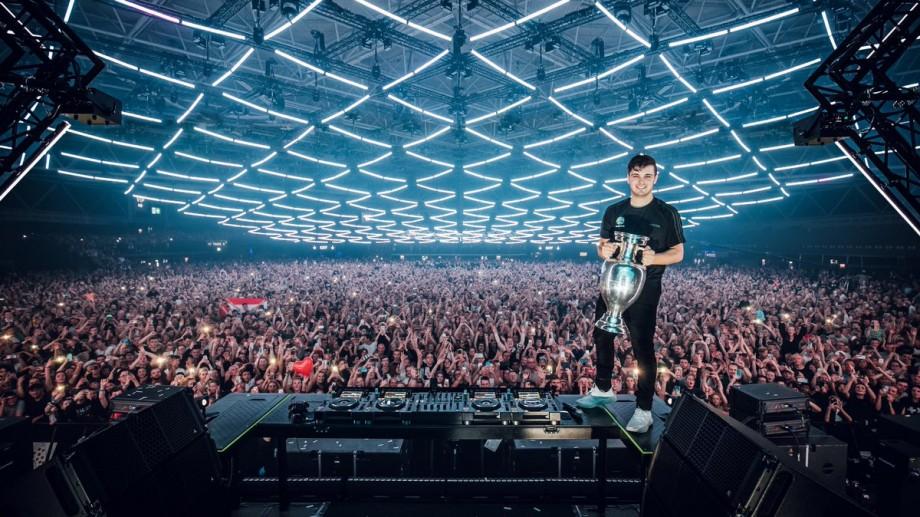 Celebrul DJ şi producător olandez, Martin Garrix, va compune şi interpreta melodia oficială a UEFA EURO 2020
