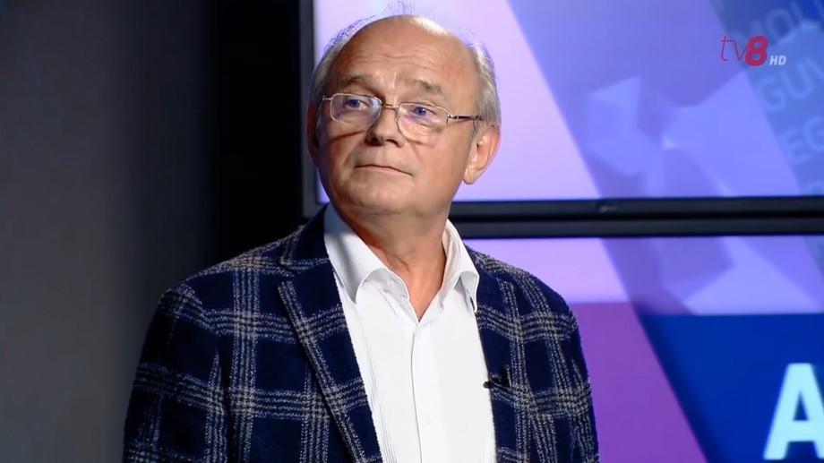 """(video) 300 de dolari pentru a înscrie copilul la Liceul """"Gheorghe Asachi""""? Răspunsul lui Boris Volosatîi, directorul instituției"""