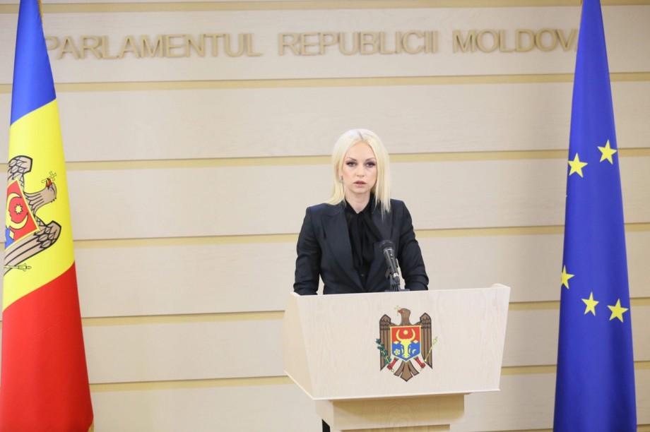(doc) Marina Tauber acuză familia Greceanîi că a fost implicată în frauda bancară