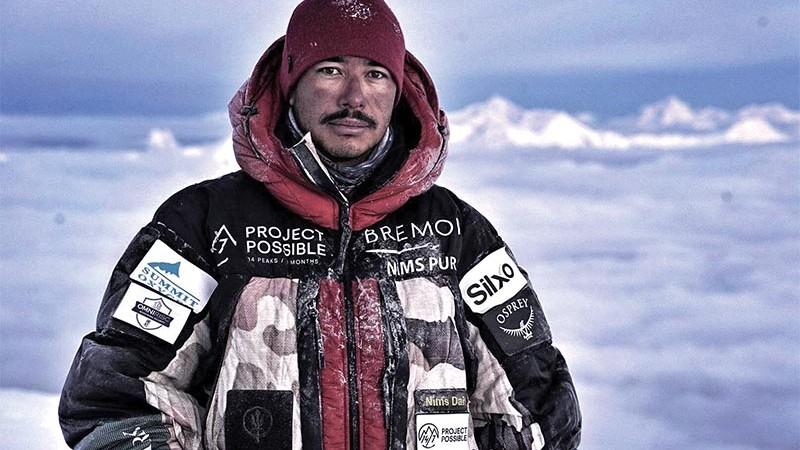 (foto) Un alpinist nepalez a cucerit 14 cei mai înalţi munţi din lume într-un timp record
