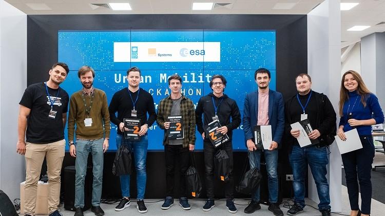 (foto, video) Au fost desemnați învingătorii Urban Mobility Hackathon. Cu ce idei de remodelare a transportului public au venit echipele câștigătoare