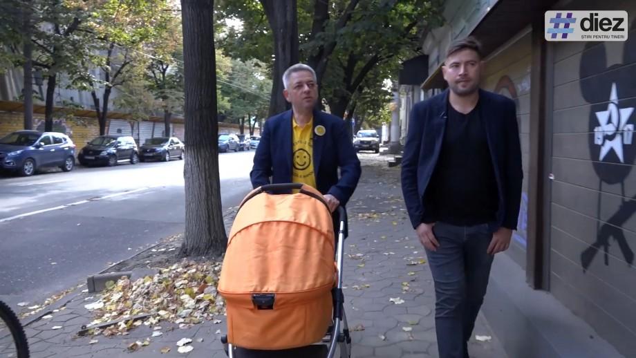 (video) #Mergem la Primărie alături de Dumitru Țîra și un cărucior. Cât de practicabile sunt trotuarele din centrul Chișinăului