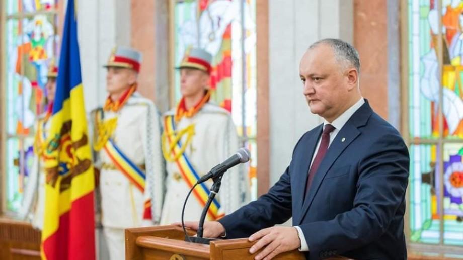 Igor Dodon a lansat un sondaj pe Facebook în care întreabă cetățenii dacă doresc ca Moldova să renunțe la trecerea la ora de iarnă