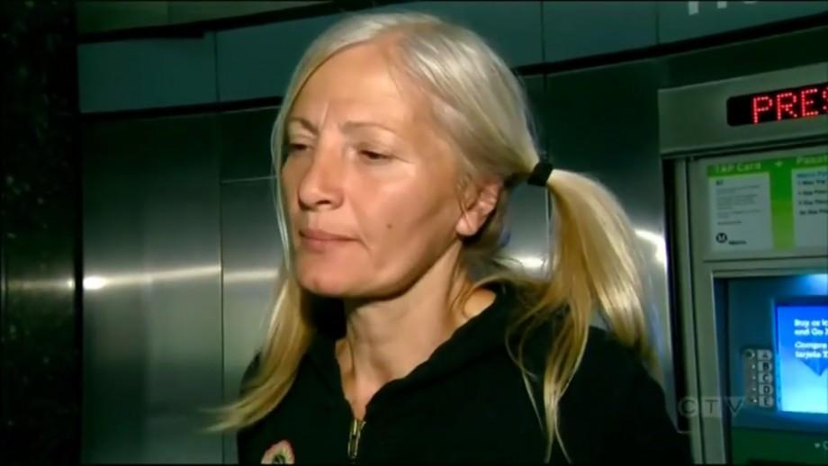 (video) O moldoveancă locuiește în stradă în Los Angeles și a devenit eroina unui reportaj în SUA. Aflați istoria ei tristă