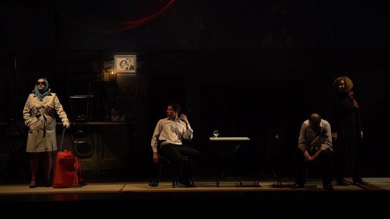 """Teatrul Național """"Eugene Ionesco"""" vă invită la drama """"Căldura în noiembrie"""""""