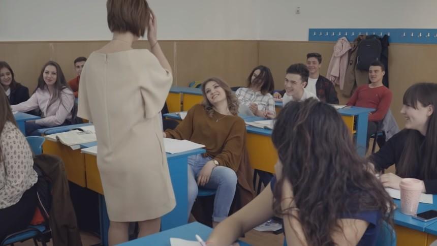 (video) Un scurtmetraj despre umilirea profesorilor a stârnit mai multe laude, dar și nemulțumiri