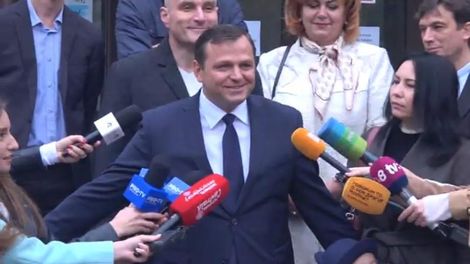 """Popov: """"Năstase ar câștiga în turul doi doar dacă va reuși să politizeze la maximum votul"""""""