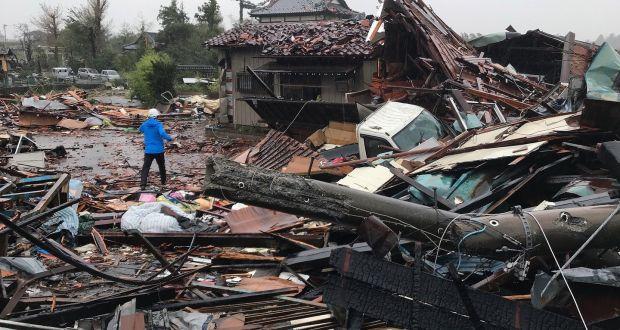 (foto) Taifunul Hagibis a lovit Japonia. Peste 800 de zboruri au fost anulate, mai mulți morți și sute de răniți