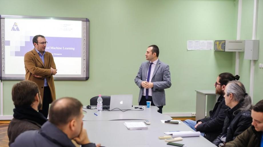 (foto) A absolvit UTM, iar acum predă la o universitate din Franța. Nistor Grozavu a vizitat Facultatea Calculatoare, Informatică și Microelectronică