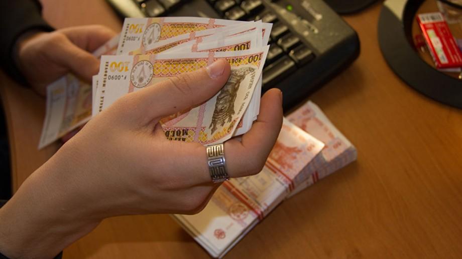 Categoriile de meseriași care vor beneficia de majorări de salariu începând cu 1 ianuarie 2020
