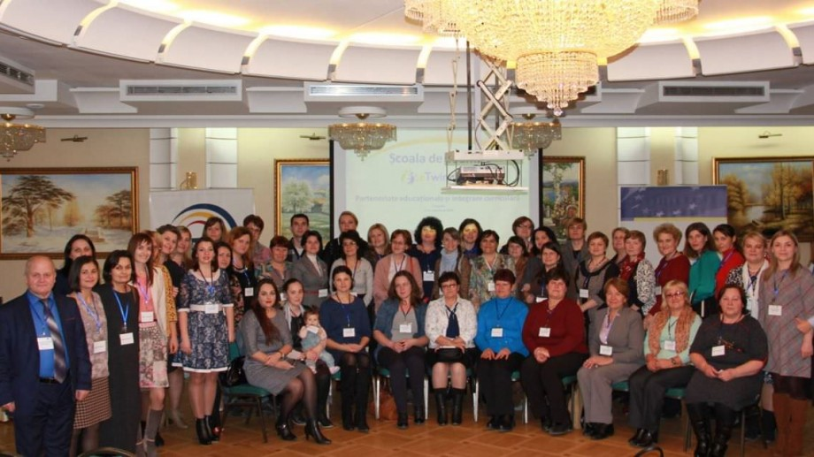 Profesorii din Moldova se pot înscrie gratuit la Școala de Toamnă eTwinning. Care sunt condițiile de participare